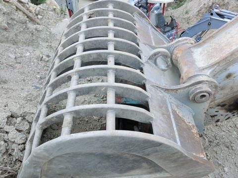 中古油圧ショベル(ユンボ)の画像8