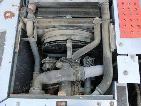 中古油圧ショベル(ユンボ)の画像9